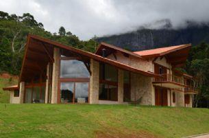Casas - Piscinas e Interiores